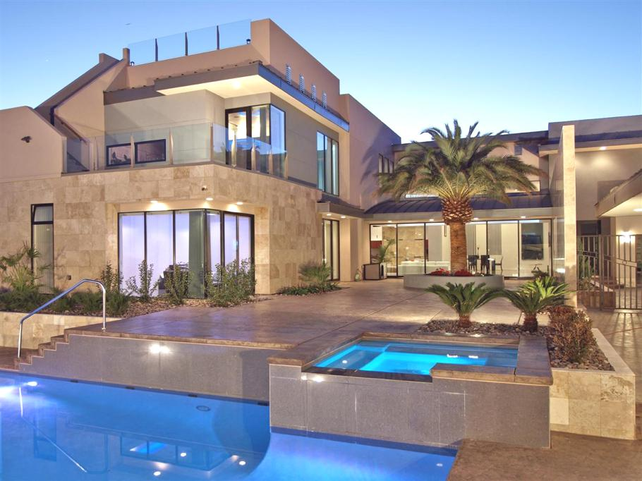 The Lavish Tenaya Residence in Las Vegas (23)