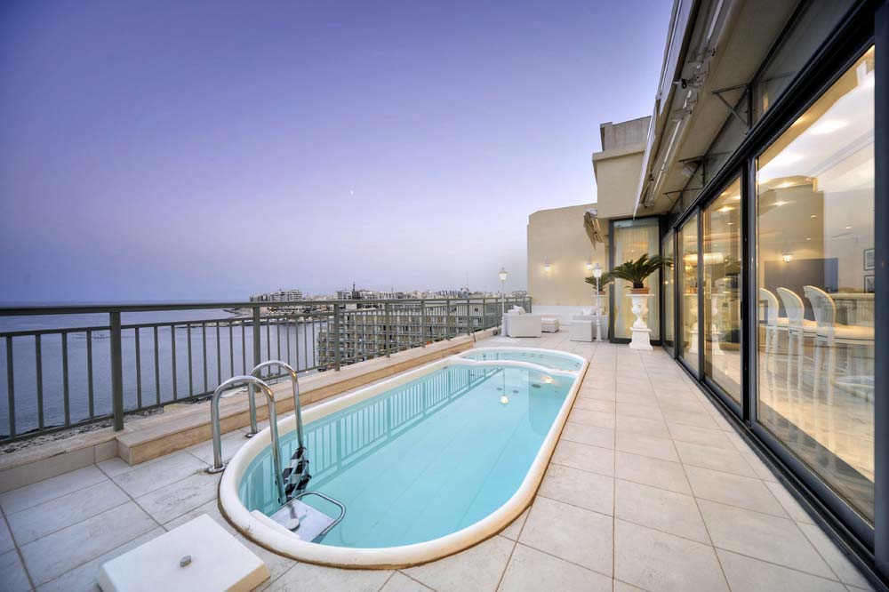 Superb Luxury Penthouse in Portomaso, Malta