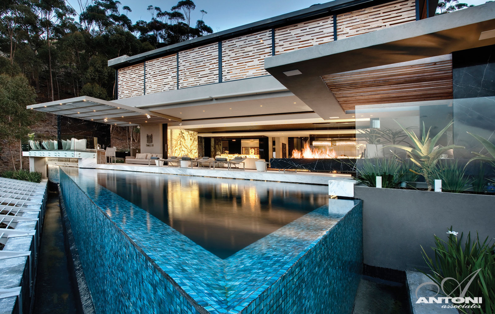 Superb luxury mansion in cape town 1 for Beach house design cape town
