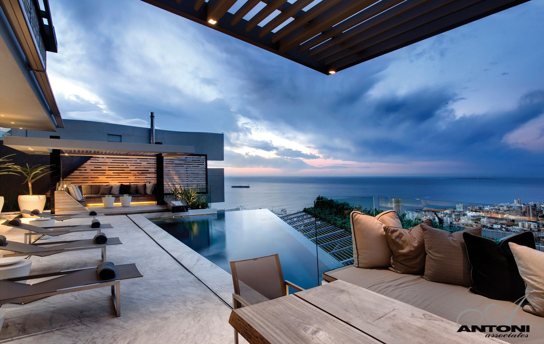 Superb luxury mansion in cape town 5 for Beach house design cape town