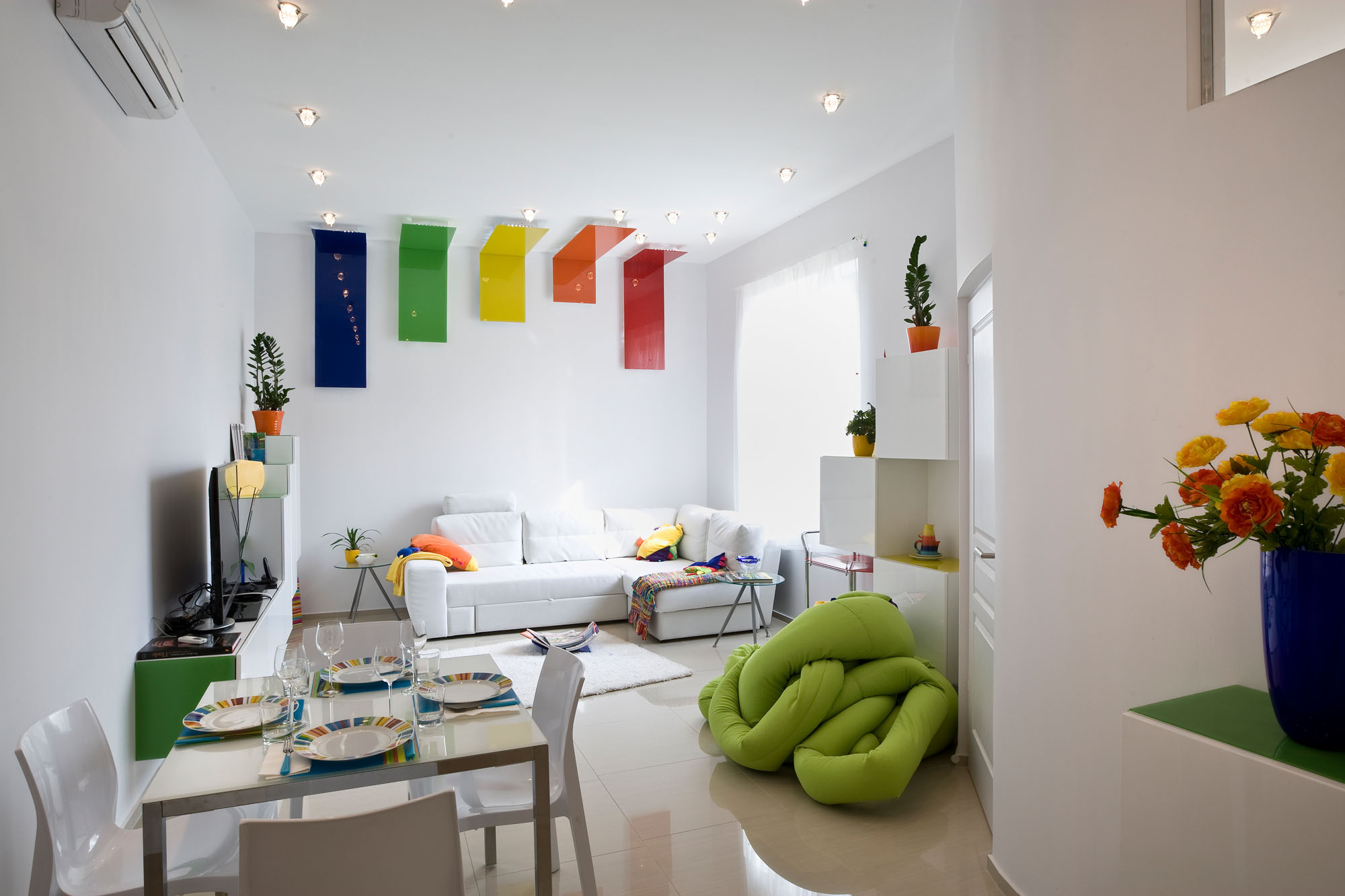 colorful apartment in budapest 1