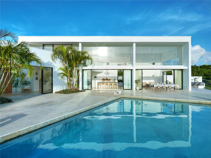 Luxe atelier house in carlton barbados for Maisons contemporaines de luxe