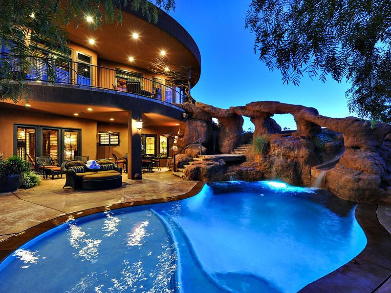 Plush residence in saint george utah for Beautiful house with swimming pool