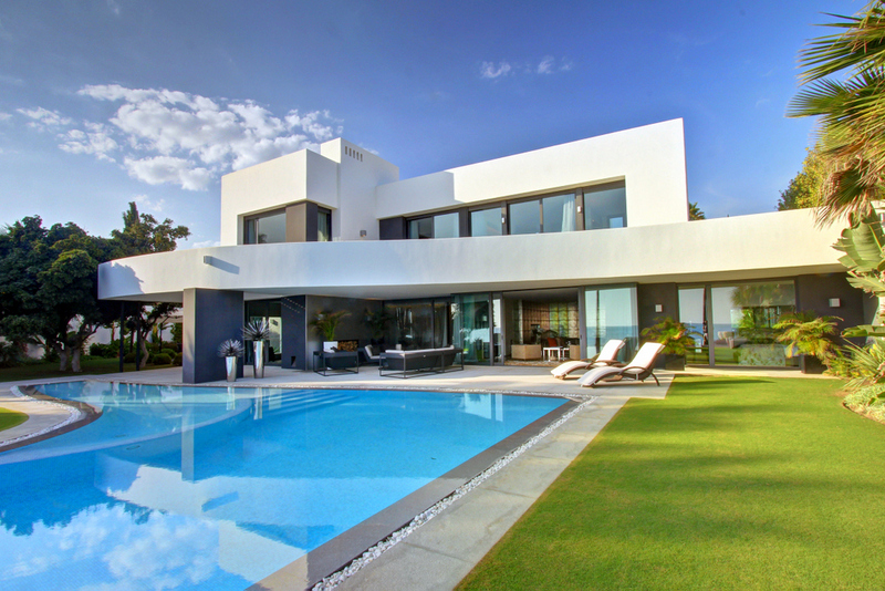 Contemporary villa in los monteros spain - Ambience home design marbella ...