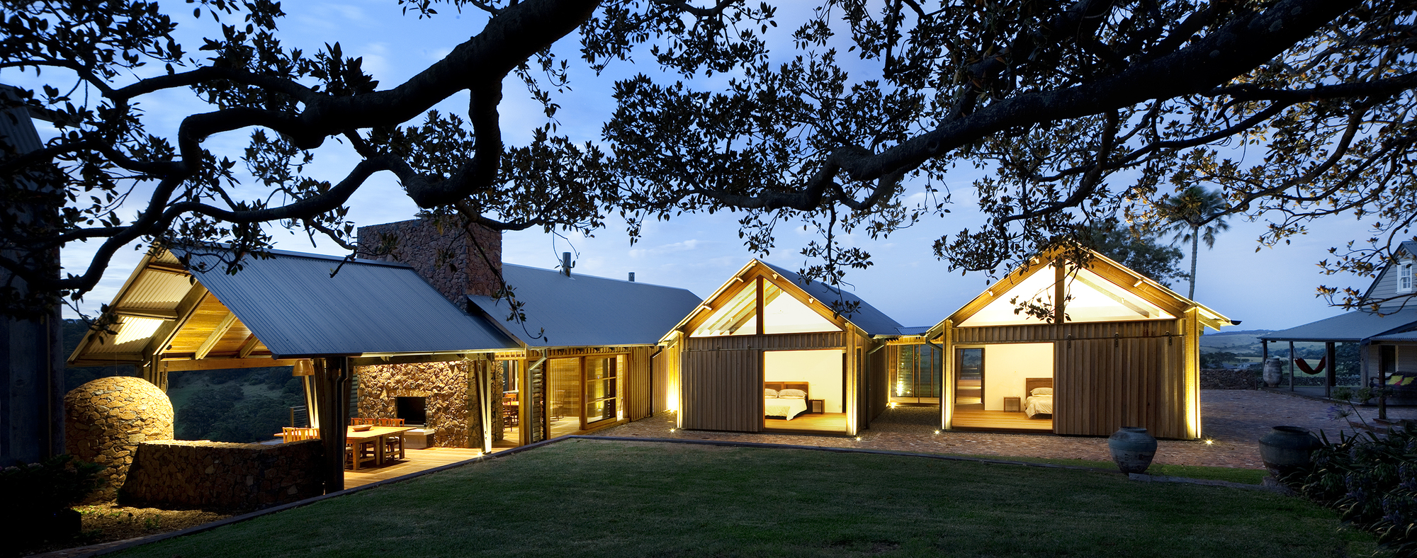 Countrified jamberoo farm house by casey brown for Define terrace farming