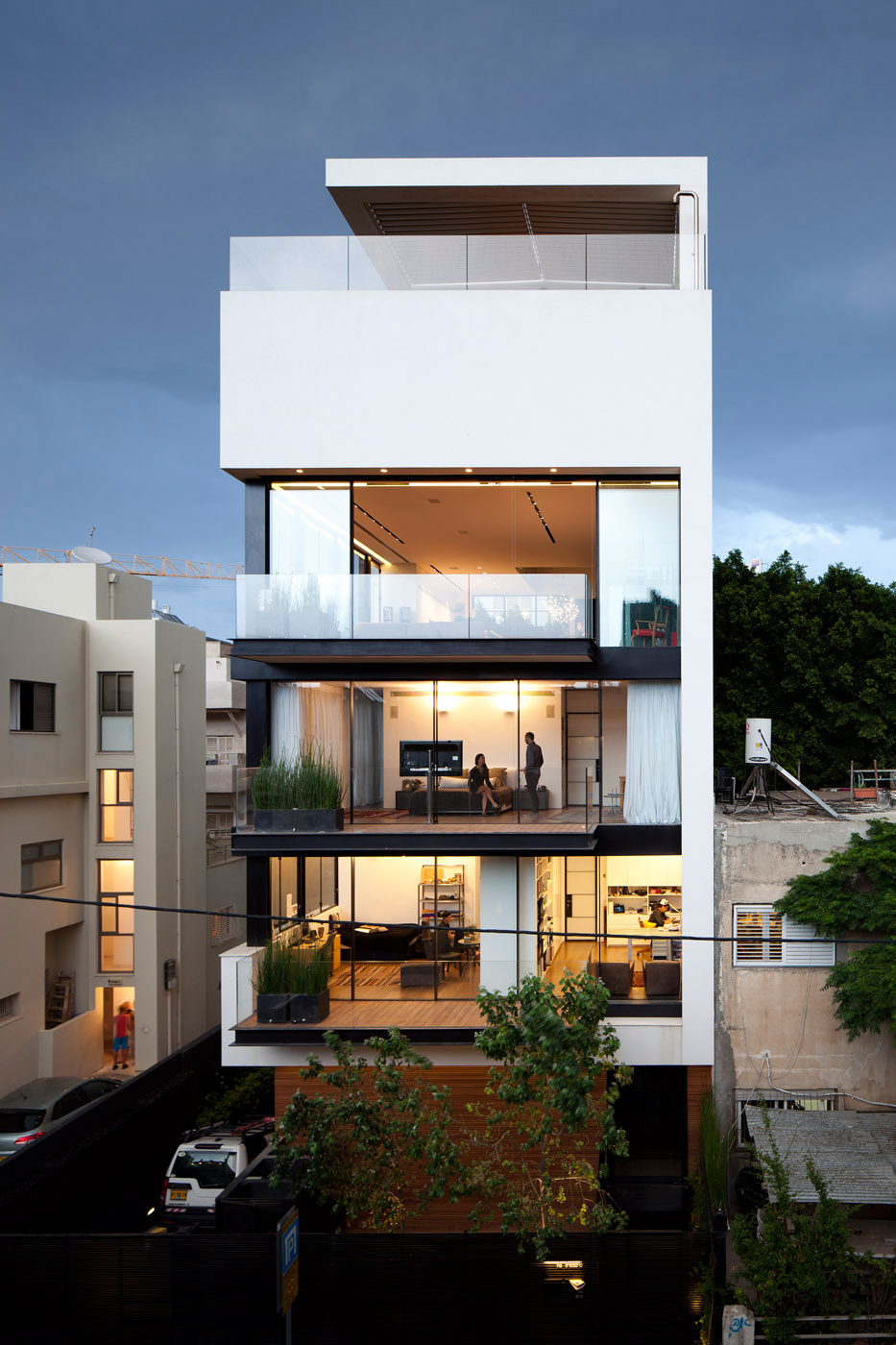 Perfect tel aviv town house 1 by pitsou kedem architect Picture perfect house