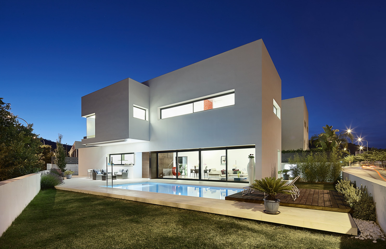 Modern 212 house by alfonso reina 8