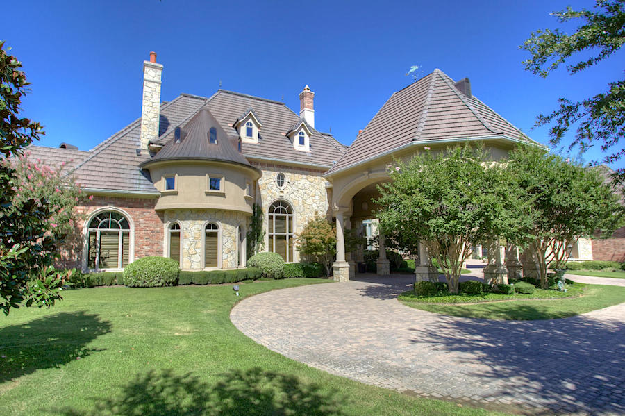 Exquisite romanesque revival mansion in texas united for Houses in united states
