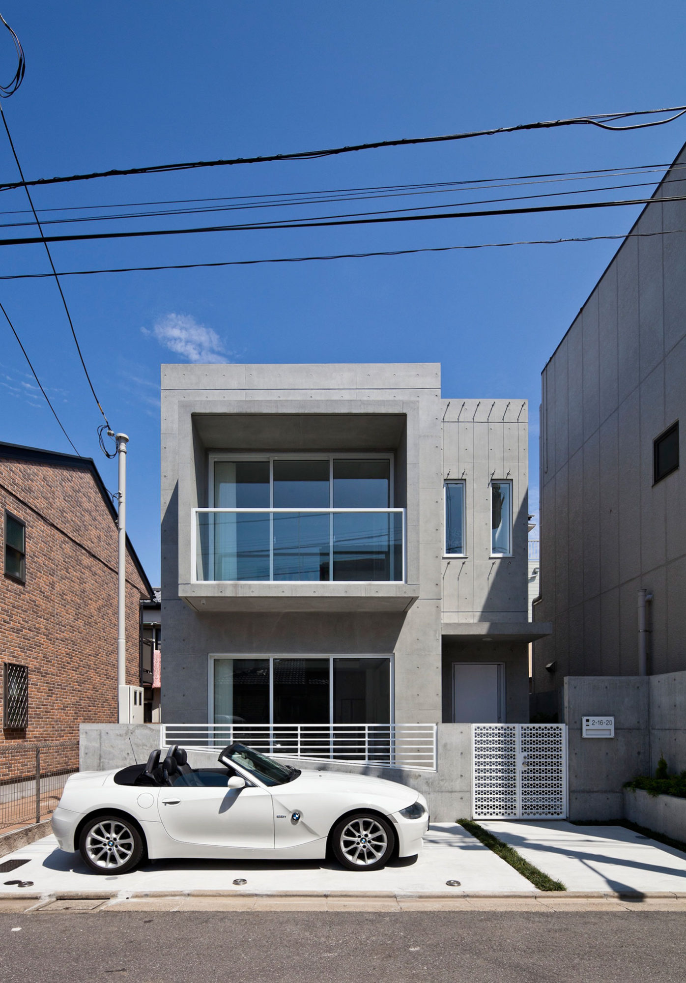 Modern zen design house in tokyo japan 2 for Modern zen house designs