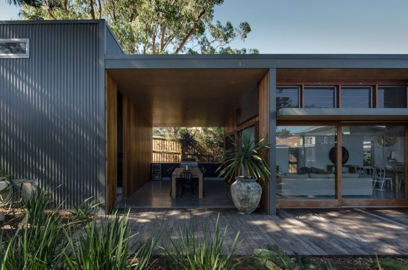 Superb renovation of a home in redhead newcastle australia for 70s house exterior makeover australia