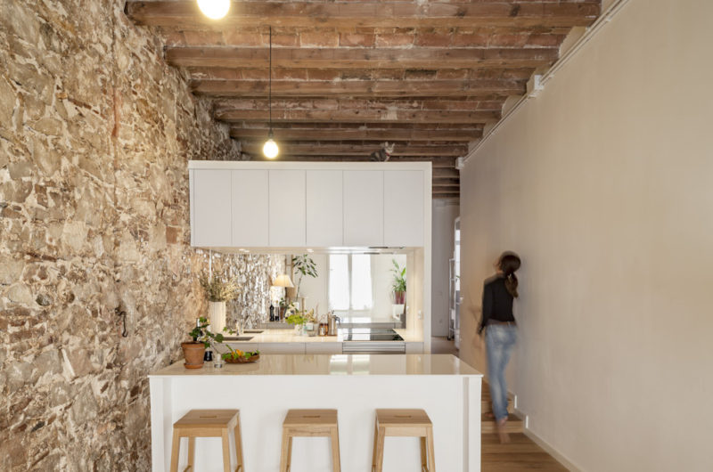 Apartment Renovation By Sergi Pons In Barcelona, Spain 1