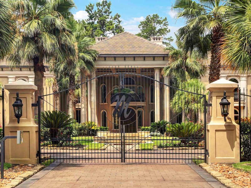 Stunning mediterranean style home in houston texas 31 Mediterranean style homes houston