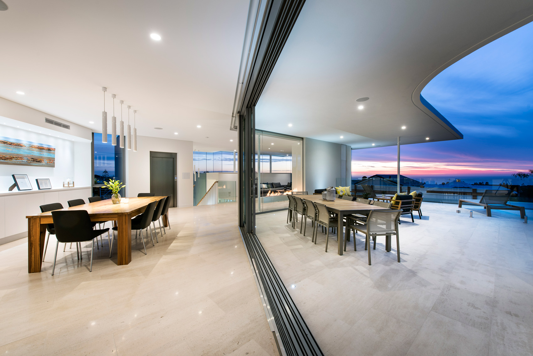 City Beach House In Perth Australia