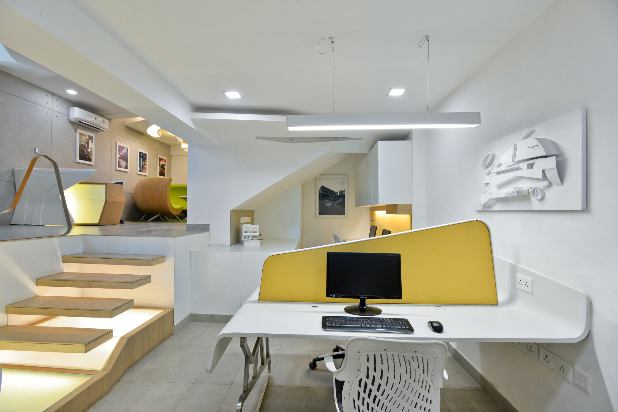 Modern architect 39 s office in new delhi india for Office cabin interior