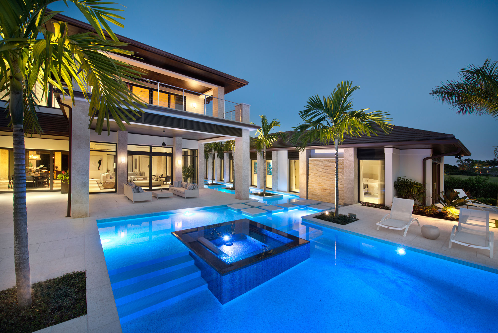 Exquisite private home in florida by harwick homes for Florida pool homes