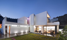 Modern Woljam-ri House In Gyeongsangnam-do, South Korea 7