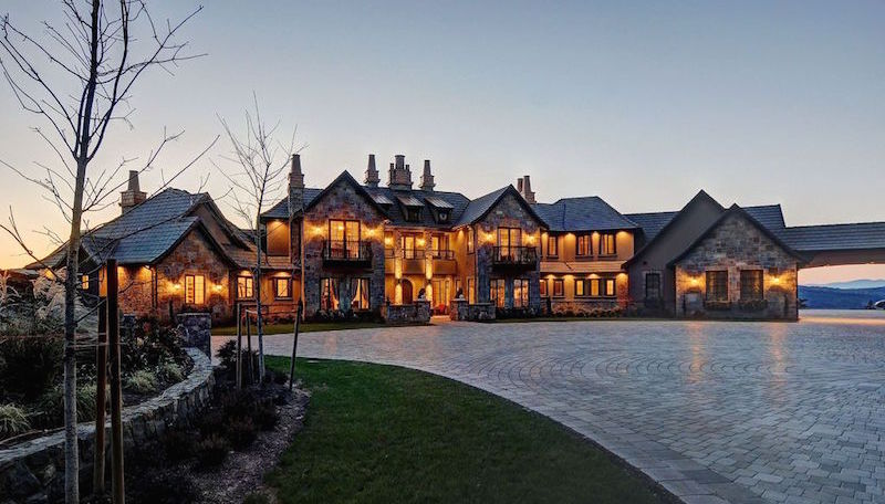 Elegant estate in victoria british columbia canada