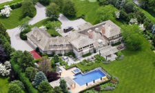 Impressive Estate In Water Mill, New York 17