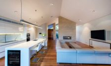 Inviting And Comfortable Salter Point House In Australia 4