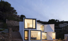 modern-sunflower-house-in-el-port-de-la-selva-girona-spain-1
