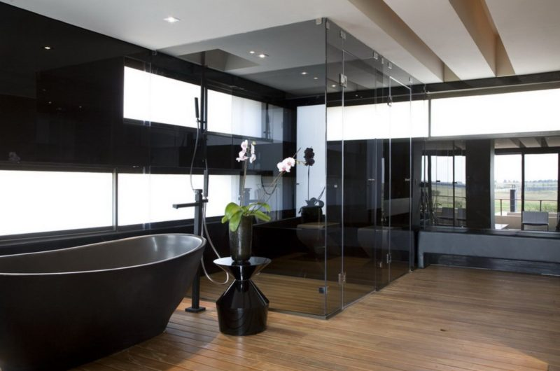 Serengeti house a modern residence in south africa for Modern bathrooms south africa