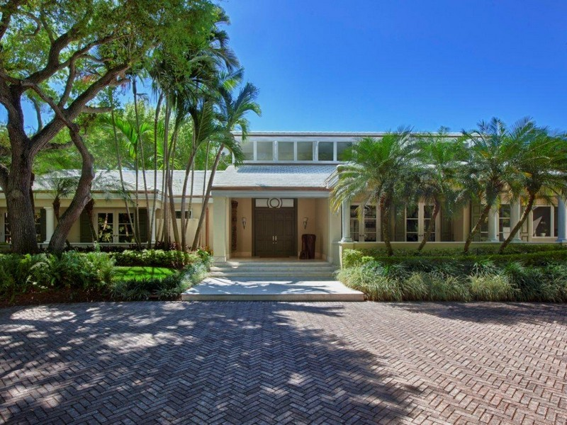 Luxe gables estates residence for sale for Residence luxe