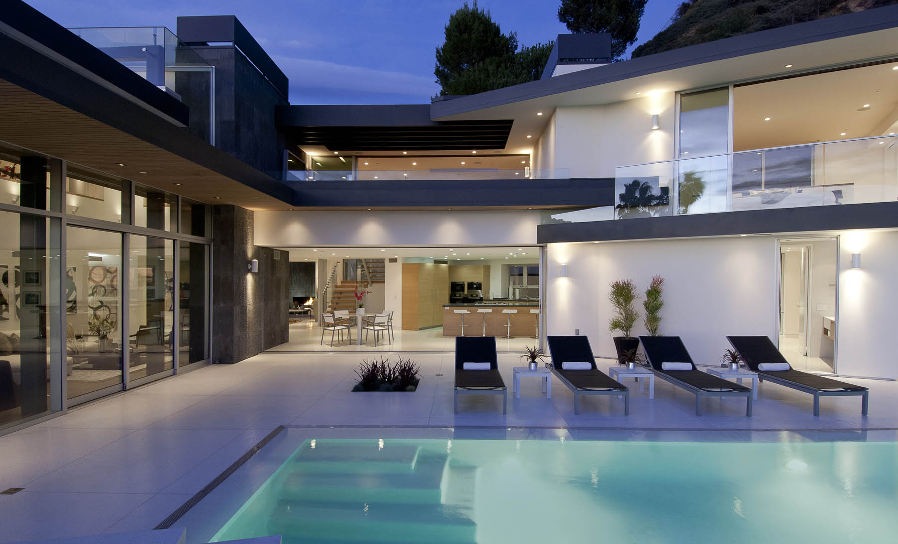 The Lavish Doheny Residence In Hollywood Hills 13