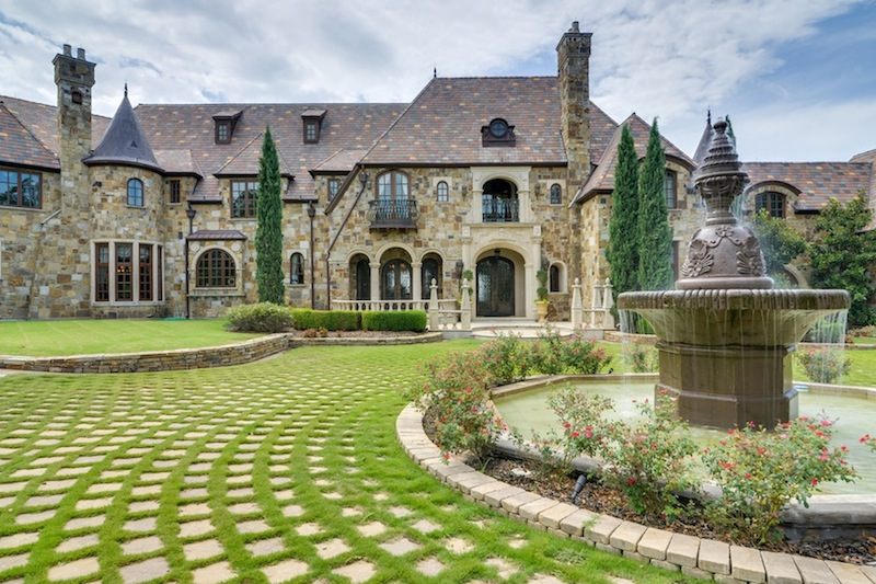 Majestic French Château in Texas 11