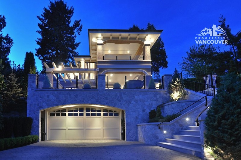 Grandiose Westmount Residence In Canada on Beautiful Homes With Balconies