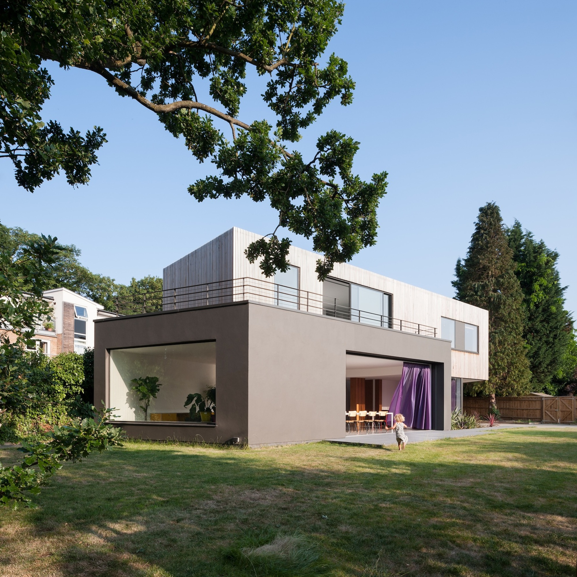 Gorgeous Wedge House In Surrey Uk