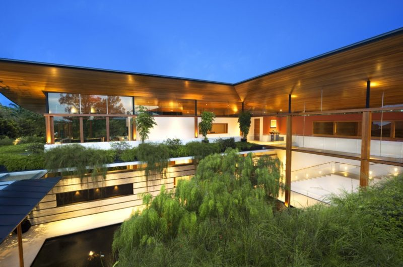 Gorgeously designed willow house in singapore - La residence exotique fish house singapour ...