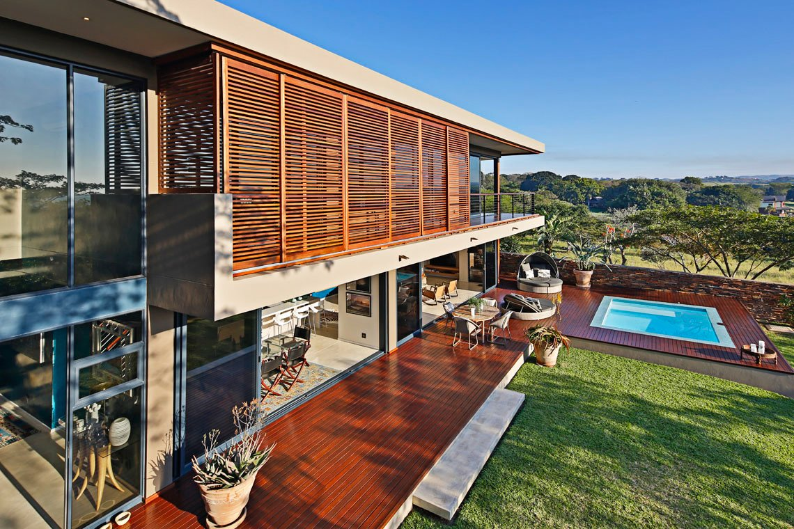 Modern Luxury Within The Aloe Ridge House In South Africa 14