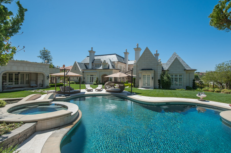 Glorious estates in calabasas california for Homes for sale in calabasas gated community