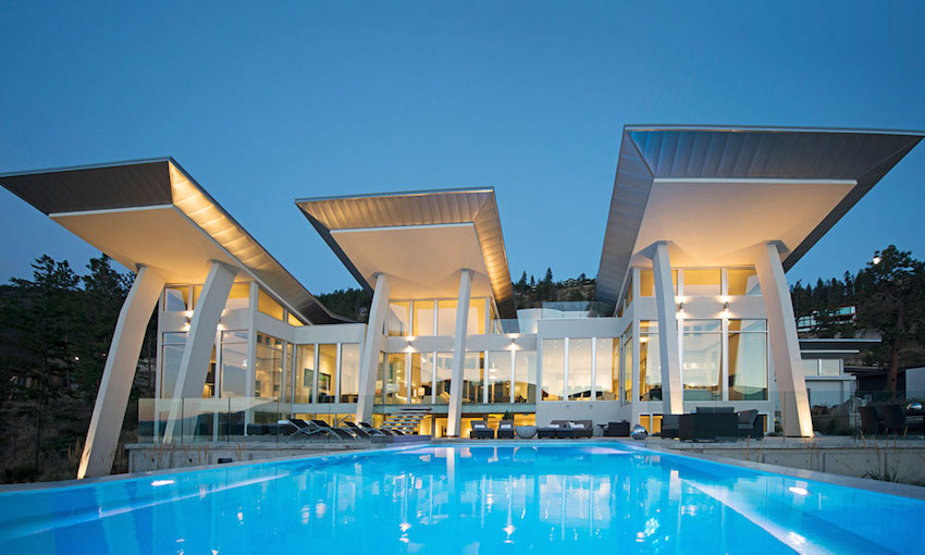 Stunning residence in kelowna british columbia canada for Pool design kelowna