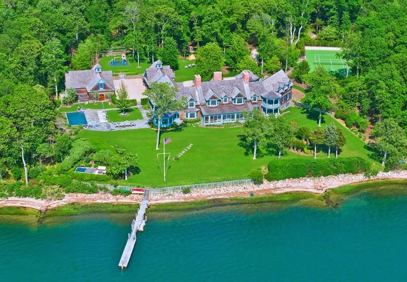Spacious and luxurious house in shelter island new york for Shelter island homes for sale